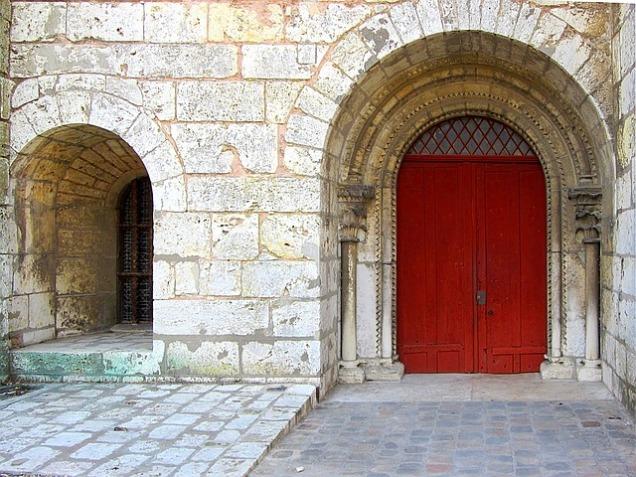 entrance-1120132_640