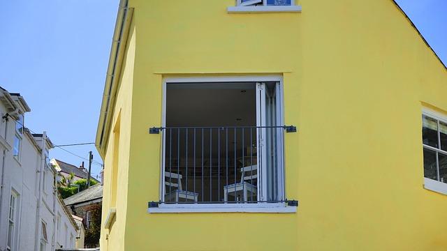 yellow-1437792_640